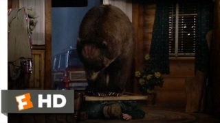Big Bear Chase Me! – The Great Outdoors (10/10) Movie CLIP (1988) HD